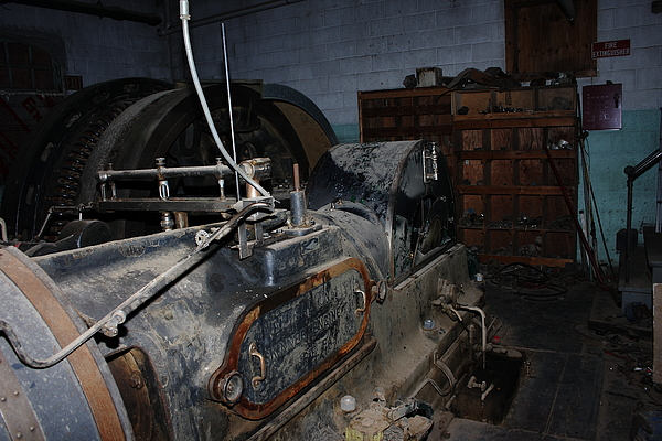 Skinner Unaflow Steam Engine at Nichols and Stone Factory in Gardner, MA