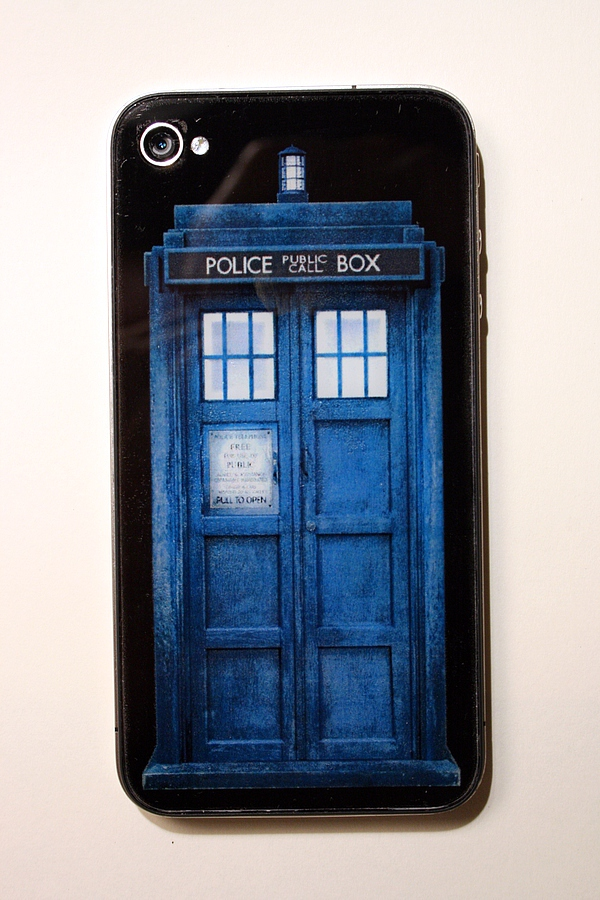 TARDIS iPhone back glass.