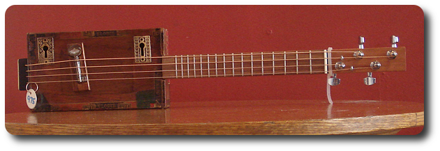 cigar box guitar Elodie