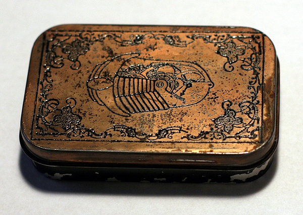 Etched copper plated Altoids tin