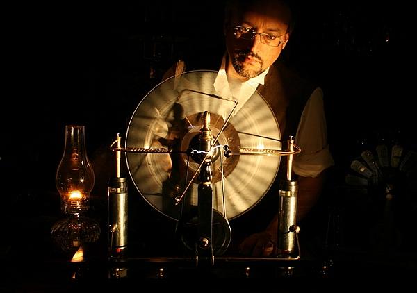 Jake von SLatt's Wimshurst Machine