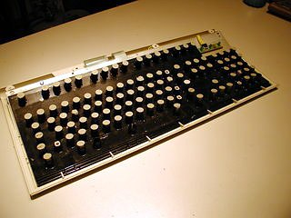 IBM Model M Keyboard read for retro keys