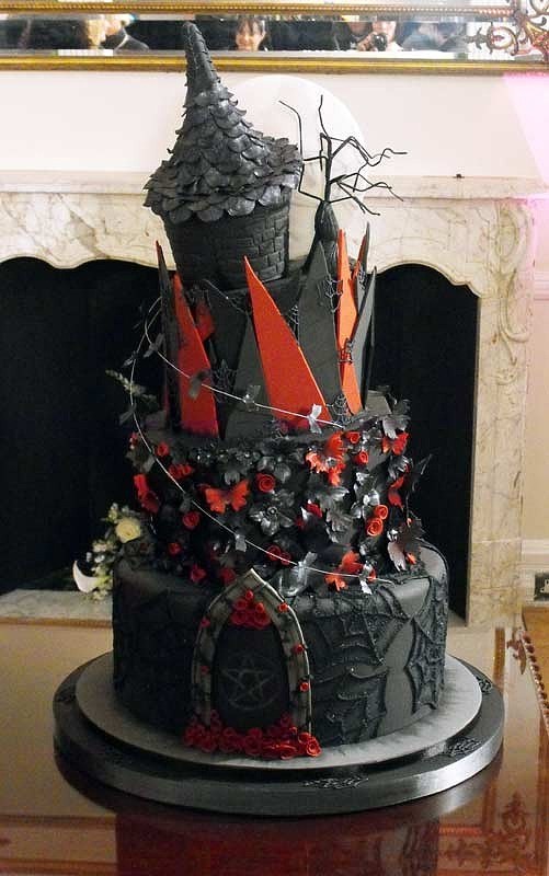 punk wedding cakes corsets and cogs a steampunk wedding cake 18846